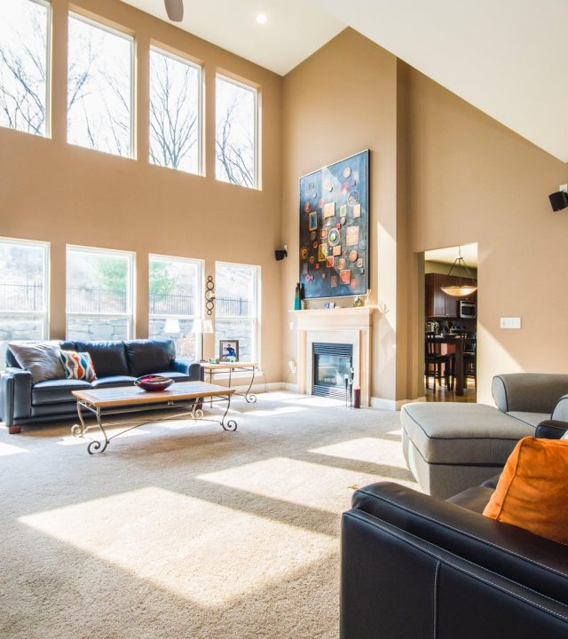painter-in-montreal-high-ceiling-living-room-job-1